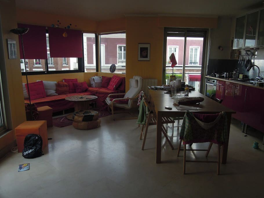 Cuisine - salon - salle de vie