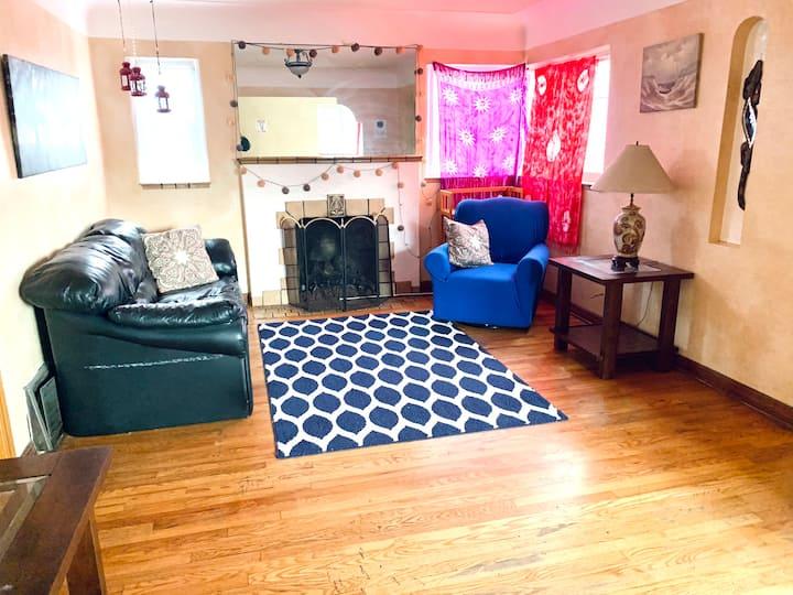 Comfy dorm room in highlands bed D