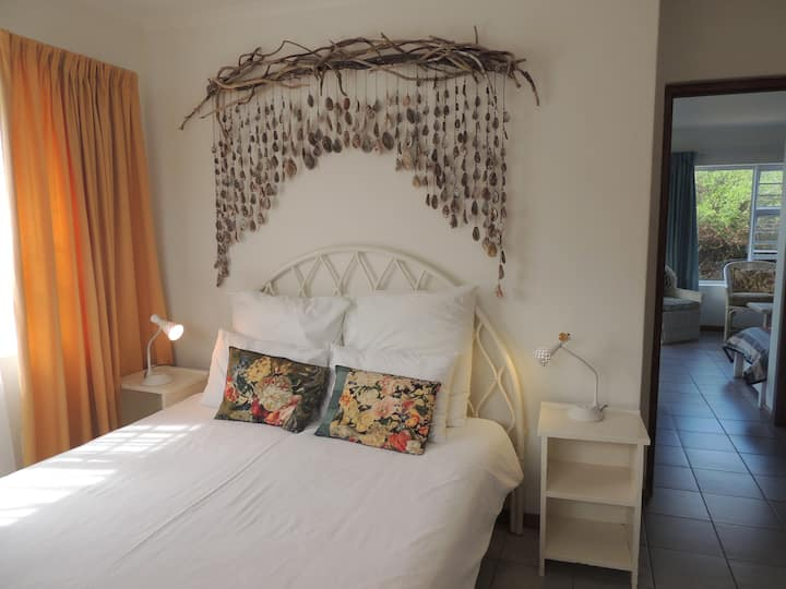 Beautiful beachfront flat with own braai