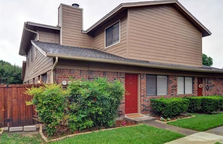 Townhome on the Trinity River - Benbrook - Townhouse
