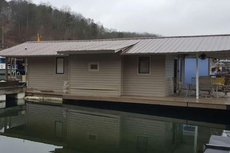 Norris TN boathouse feels like home! - Andersonville - Πλοίο