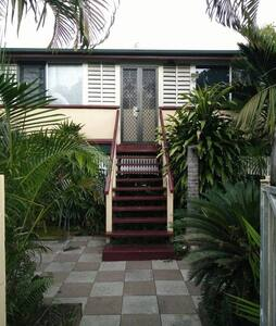 Majestic 1 Timber Queenslander - Parramatta Park