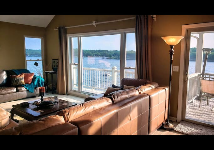 Relax On The Lake-5 Bed 3 Bath-3 Decks-Sleeps 18!