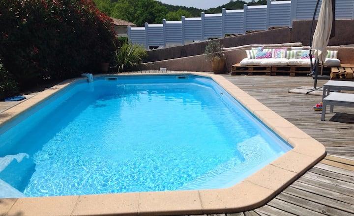Maison indépendante avec piscine