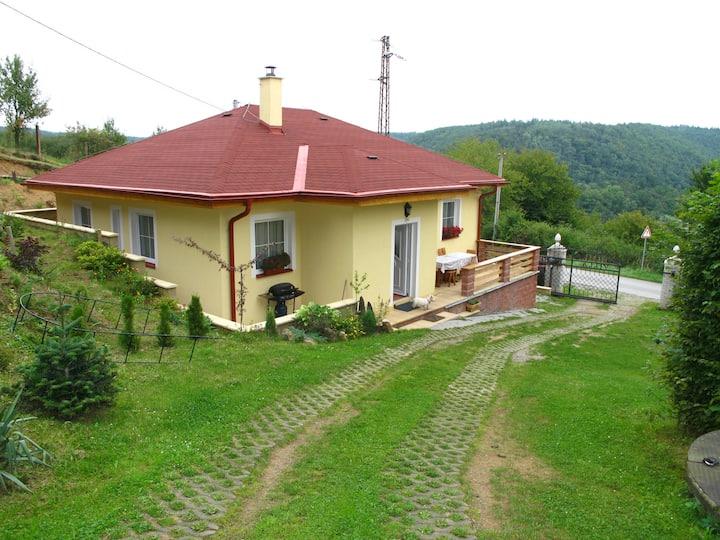 Vilka se nachází blízko Prahy- 25km