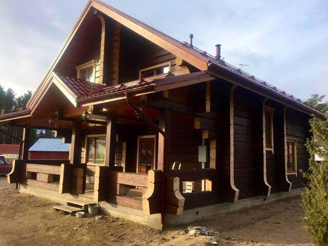 Усадьба Мороза-новый  дом  ждёт своих гостей