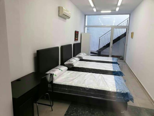 Comfortable triple room in the villa 0号