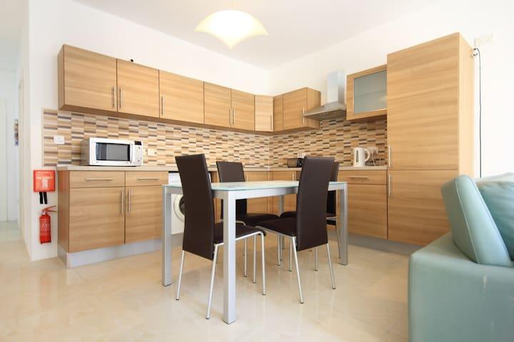 Cute & modern apartment :) (Ref: MF) - Sliema - Appartement