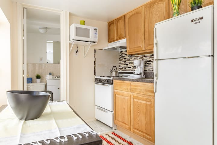 Bright & Adorable Apt with NYC View - Weehawken - Appartement