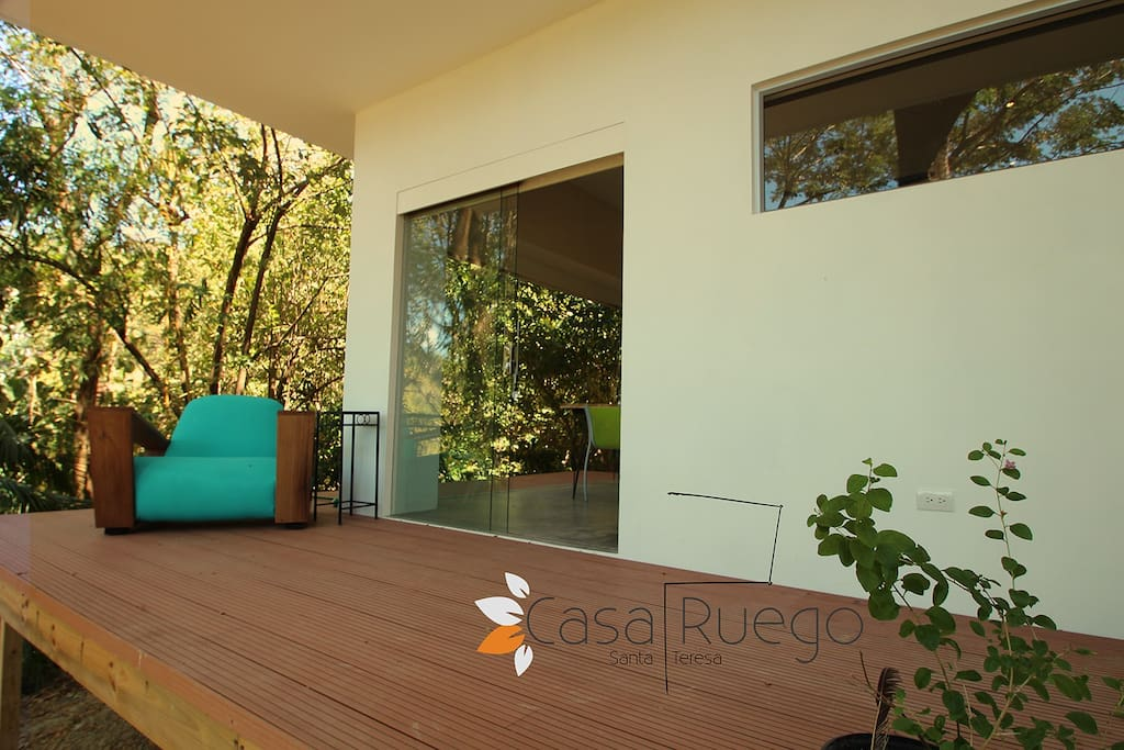 nice fresh terras with view on the garden and jungle