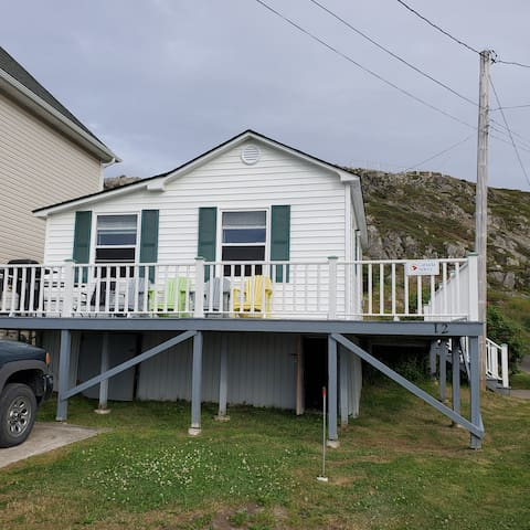 Hillside Cottage with Harbour View & Private Deck