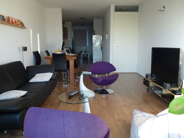 Modern 2 room app. free parking - Utrecht - Apartment