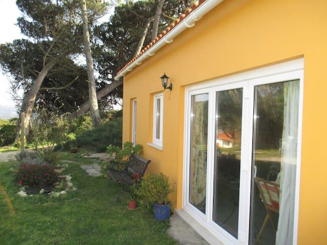Lovely apartment+garden near beach - São Martinho do Porto - Apartment