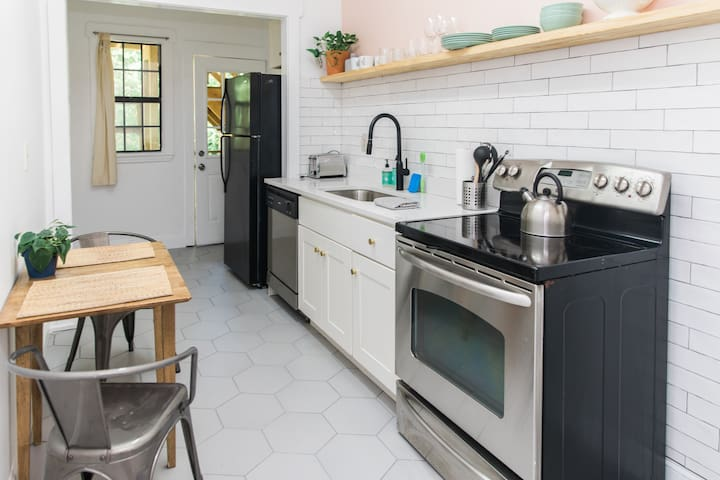 Historic 1920s home just blocks from Grant Park #1