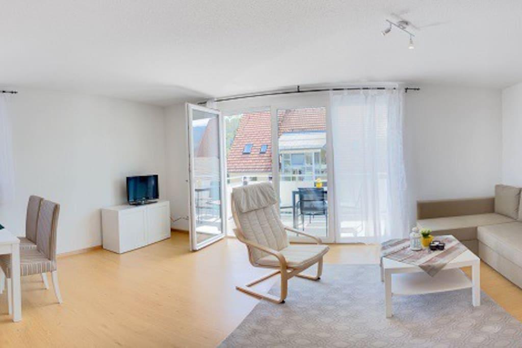 Wohnzimmer/ Balkon