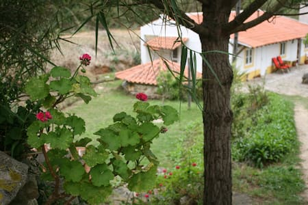 Sozo Arts Retreat Cottage - São Martinho do Porto
