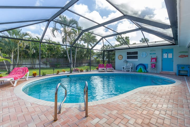 Cocoa Beach Getaway - Walk to Beach - Heated Pool