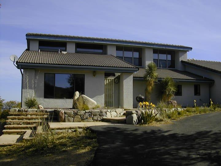 Casa Linda (Desert-Mountain Villa)
