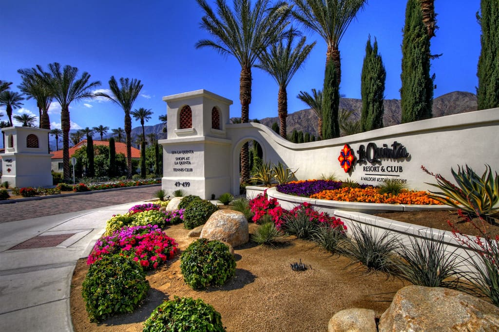 La Quinta Resort Entrance
