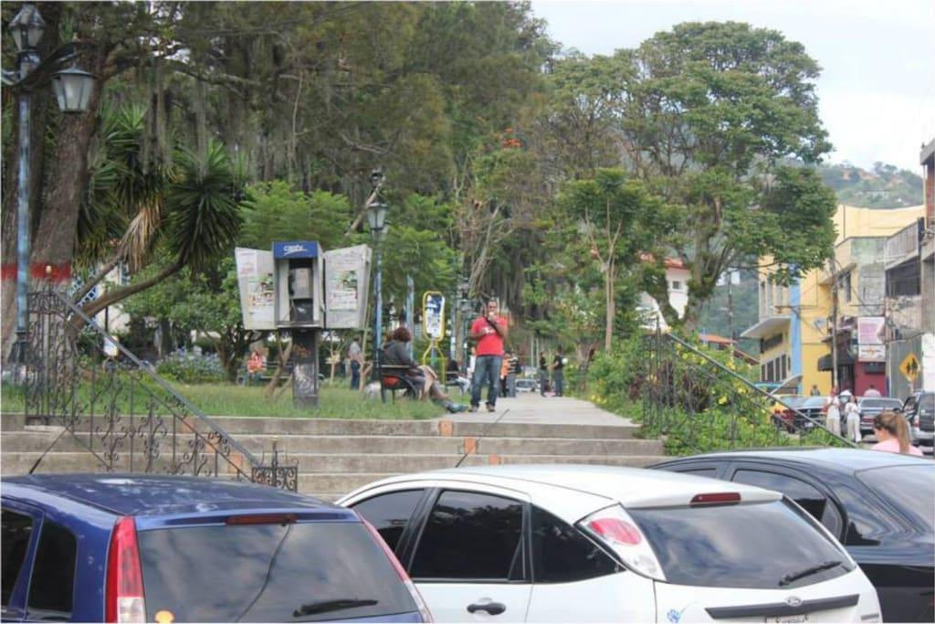 Parque que alberga actividades multiples de gastronomía y diversión