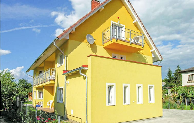 Holiday apartment with 2 bedrooms on 63m² in Balatonmáriafürdö