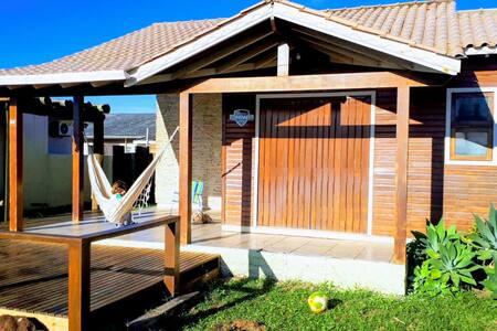 Linda casa com piscina à 50m praia - Tranquilidade