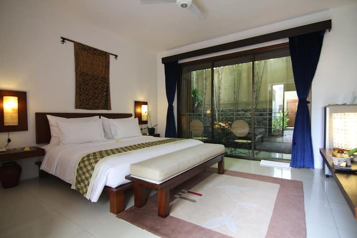 Couple Suite room with terrace in Ubud