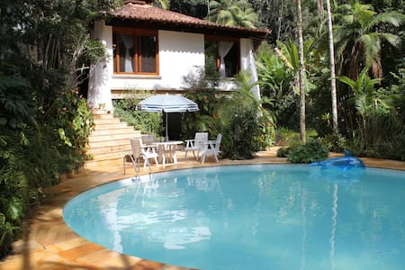 A HAVEN IN THE MOUNTAINS OF RIO DE JANEIR0