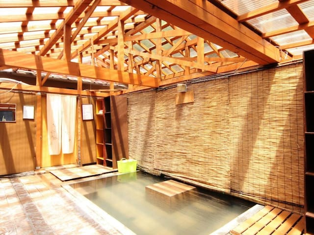 Experience a mountain lodge stay! Enjoy your leisure time at the base of Kamikochi  山小屋に泊まろう!時間を気にせず上高地の拠点に(2食付)