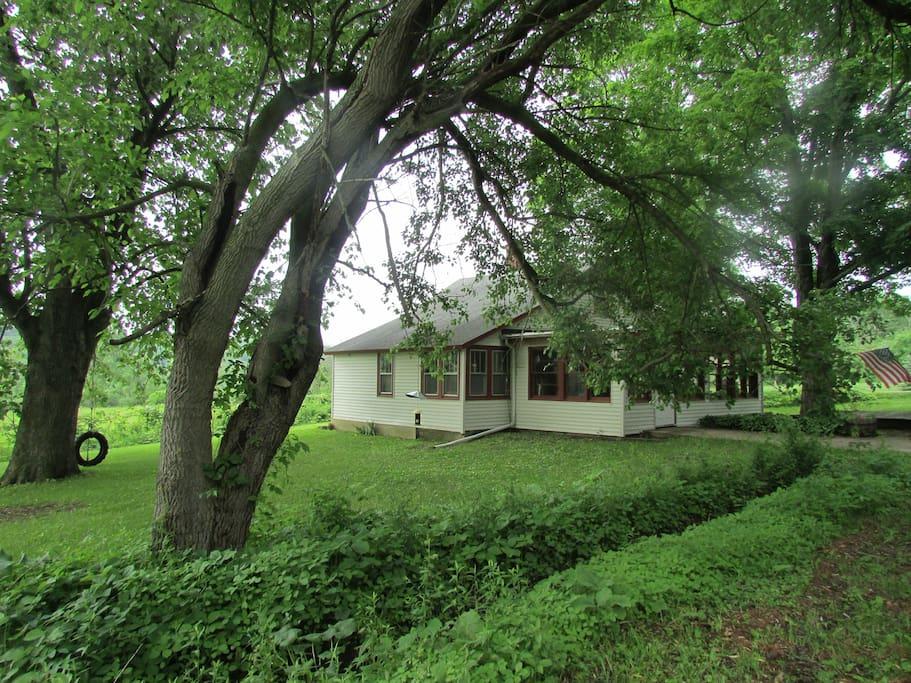 Brookside farm cottage lake geneva maisons louer for Brookside cottages