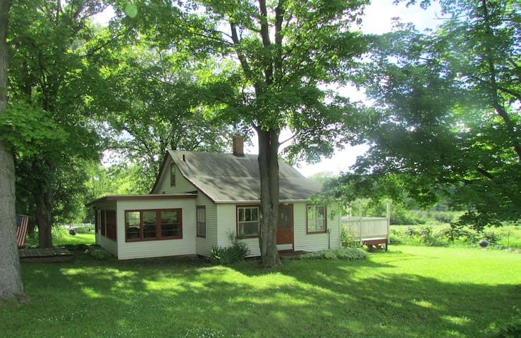 BROOKSIDE FARM COTTAGE Lake Geneva - Elkhorn - Haus