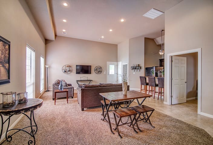 Vaulted Ceilings and Relaxed, Luxurious Surroundings