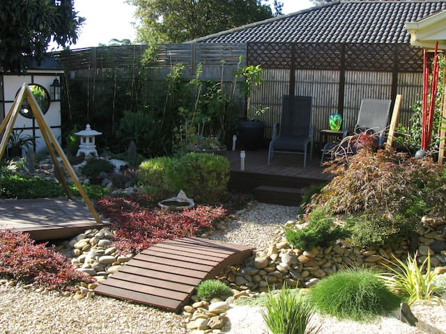 Modern, fully-equipped house - Frankston - Ev