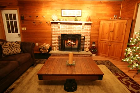 Cozy Pocono Cottage With Fenced In Yard - Albrightsville - Dom