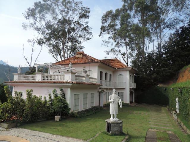 A FAMOSA CASA ROSA DE ITAIPAVA - Itaipava - Σπίτι