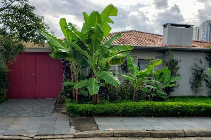 Casa ampla e aconchegante próxima à USP e CPTM