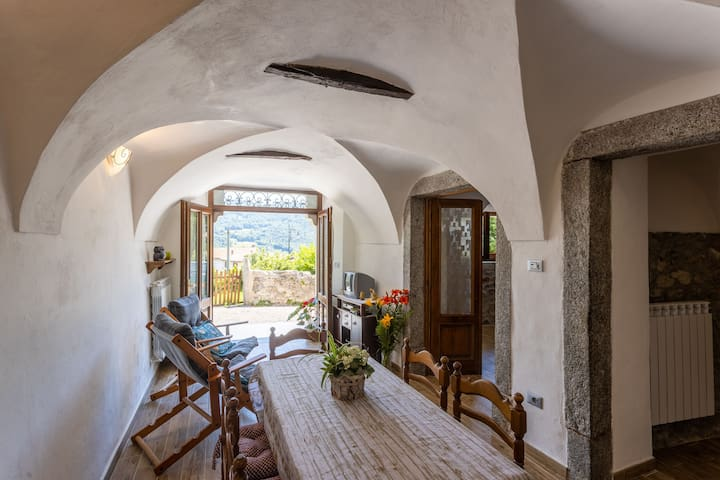 Rustic Style & Modern Comforts in Beautiful Landscape - Apartment Lancillotto