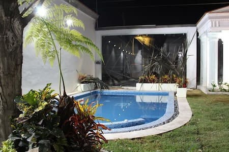 Hostel with ACCESSIBLE PRICES and COZY STAY - Cholula de Rivadabia - 旅舍