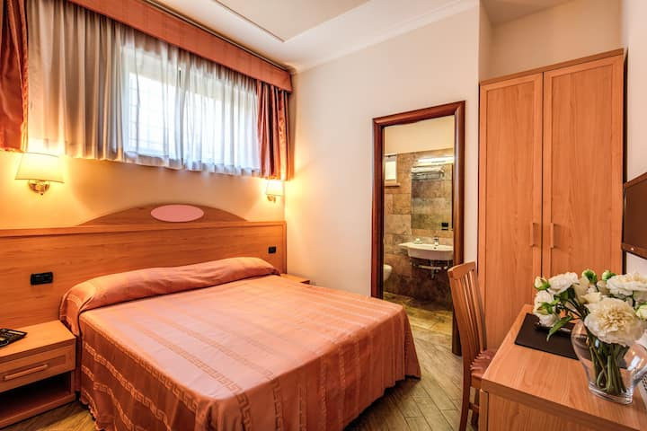 Roma Tiburtina, Single Room