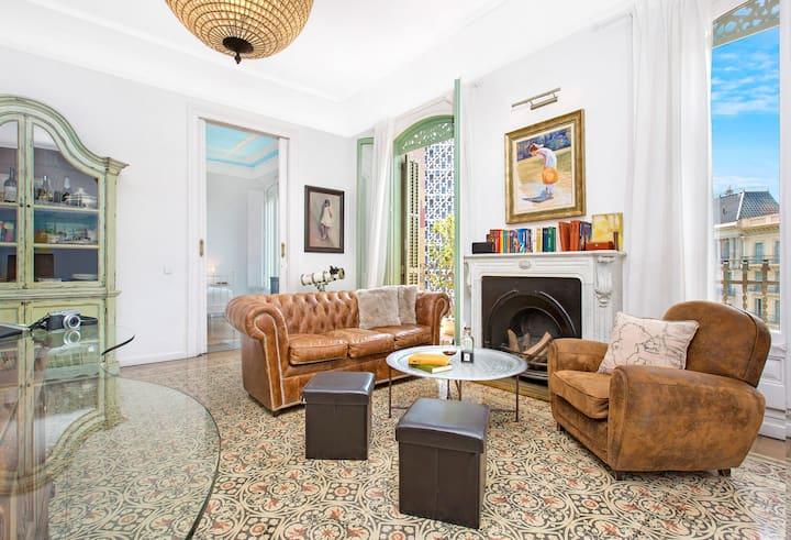 Luxury apartment with balconies in Rambla Cataluna