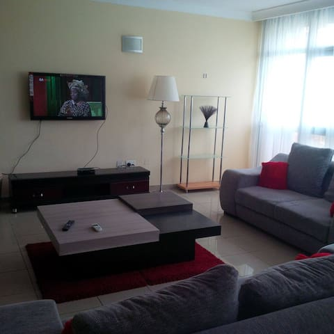 Cozy 3bedroom with parking space. - Lagos - Apartemen