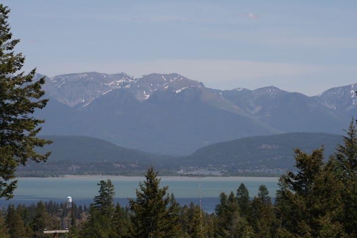Lake View Hideaway