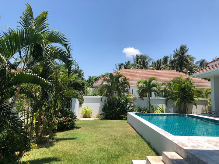 Luxury 3 Bedroom Villa with Private Swimming Pool