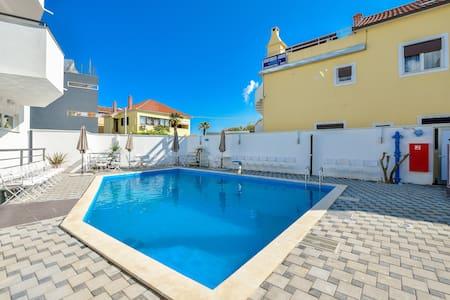 Hotel ZaDar ( quadruple room ) - Zadar - Bed & Breakfast
