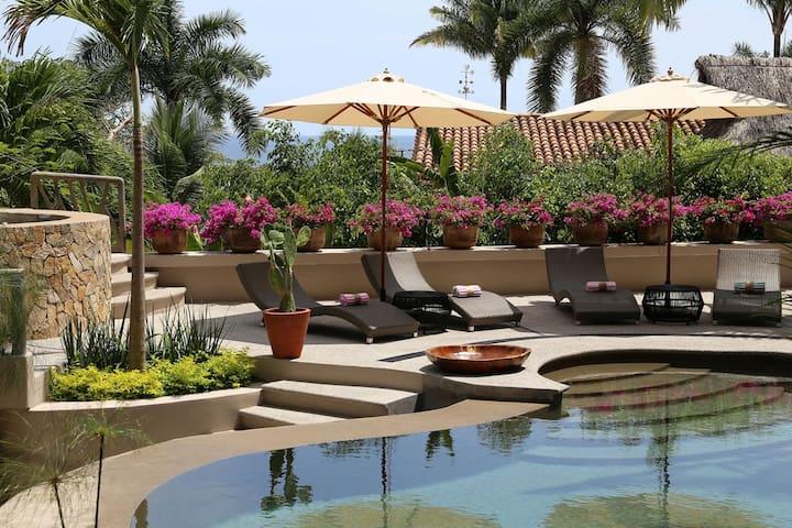 MÍSTICA, Sayulita sanctuary modern tropical luxury