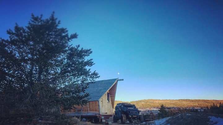 ULLR ThunderClap snow spaceship tiny home