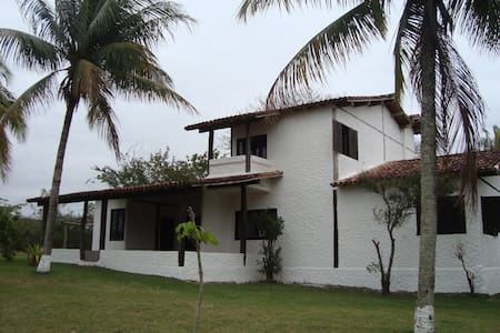 Ampla e tranquila residência -  Meaípe (Guarapari)