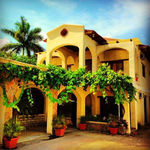 Hotel alameda colonial