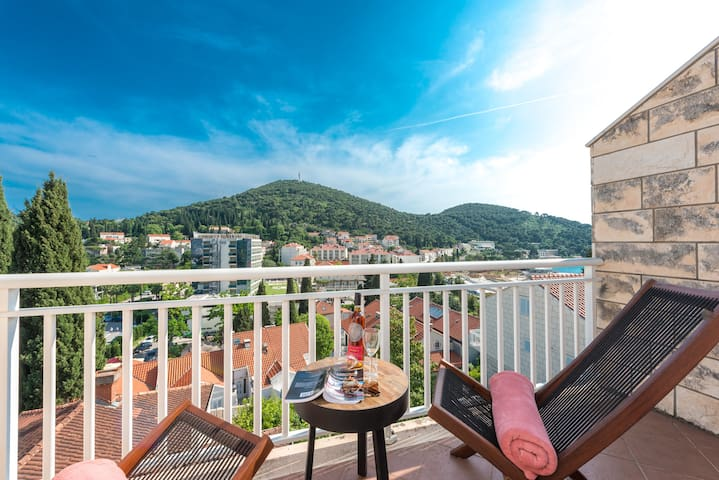 Apartment Marilyn-Cozy 2BD with Terrace&p.sea view