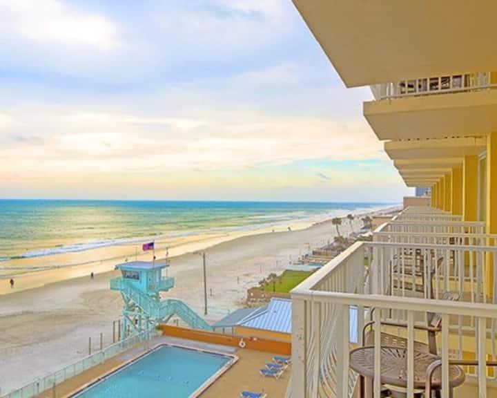 One Bedroom Ocean Front Luxury Condo (A522)